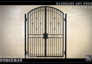 ロートアイアン,門扉,玄関ゲート,アイアンドア,制作メーカー,特注制作,セミオーダー